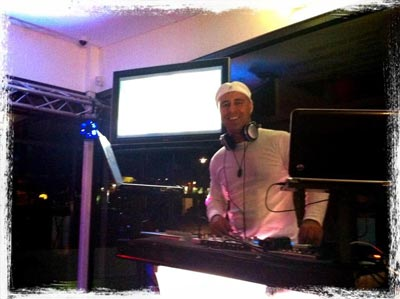 dj easi at a wedding